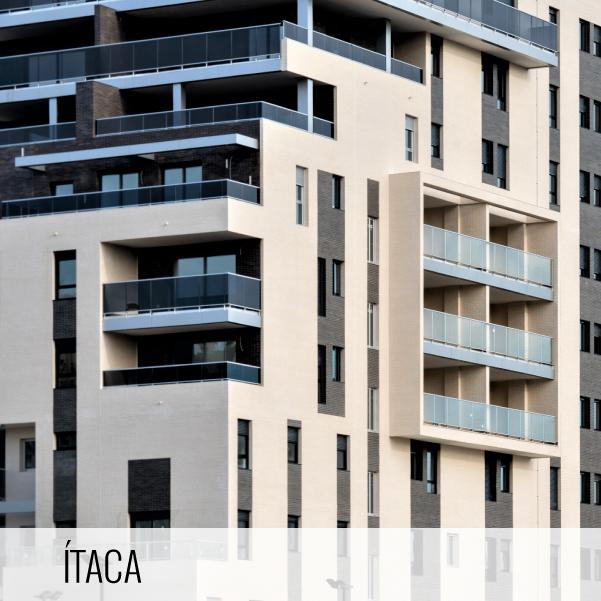 Proyectos de arquitectura. Detalles de la fachada y terrazas de la promoción Residencial Ítaca.