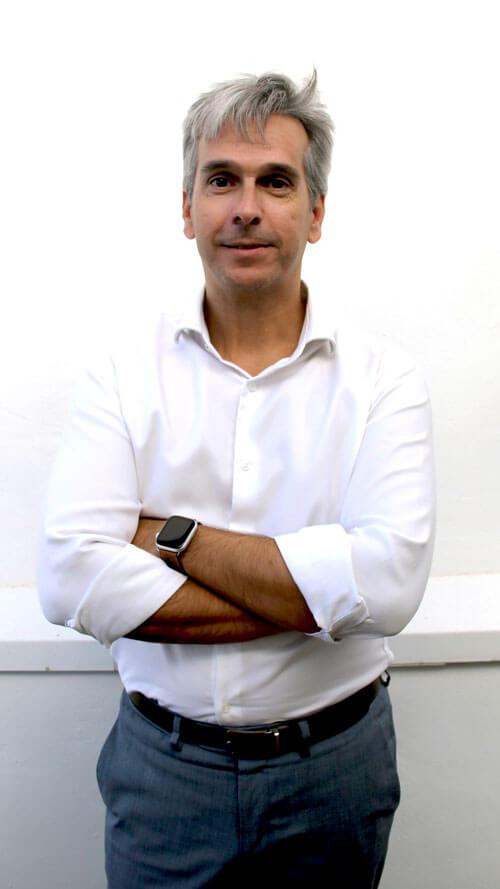 Alejandro Pereira. Subdirector departamento inversiones