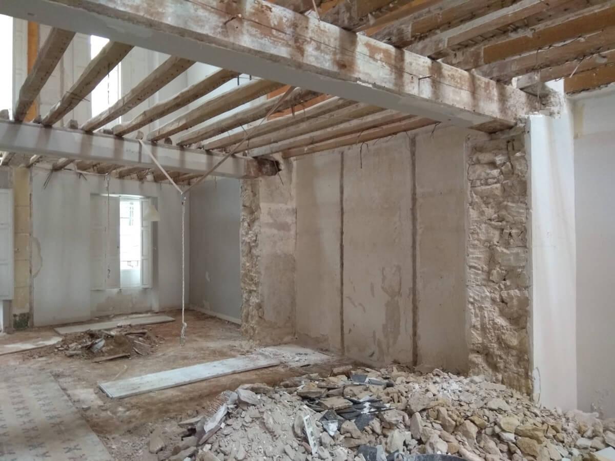 Interior de vivienda de Labradores 24 antes de su restauración