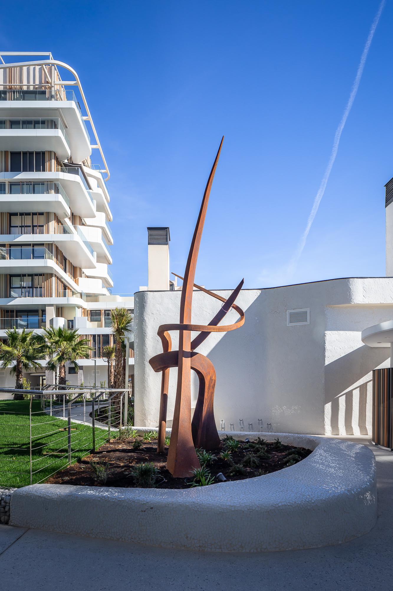 Tango in Nature, escultura realizada por Peter Cauro para el Residencial Nature.